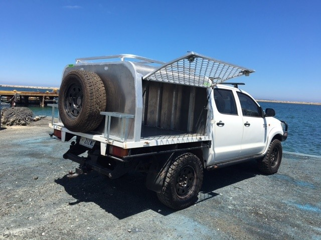 Dual cab hilux with &limesh canopy 2 & Dual cab hilux with amplimesh canopy 2 | Great Racks