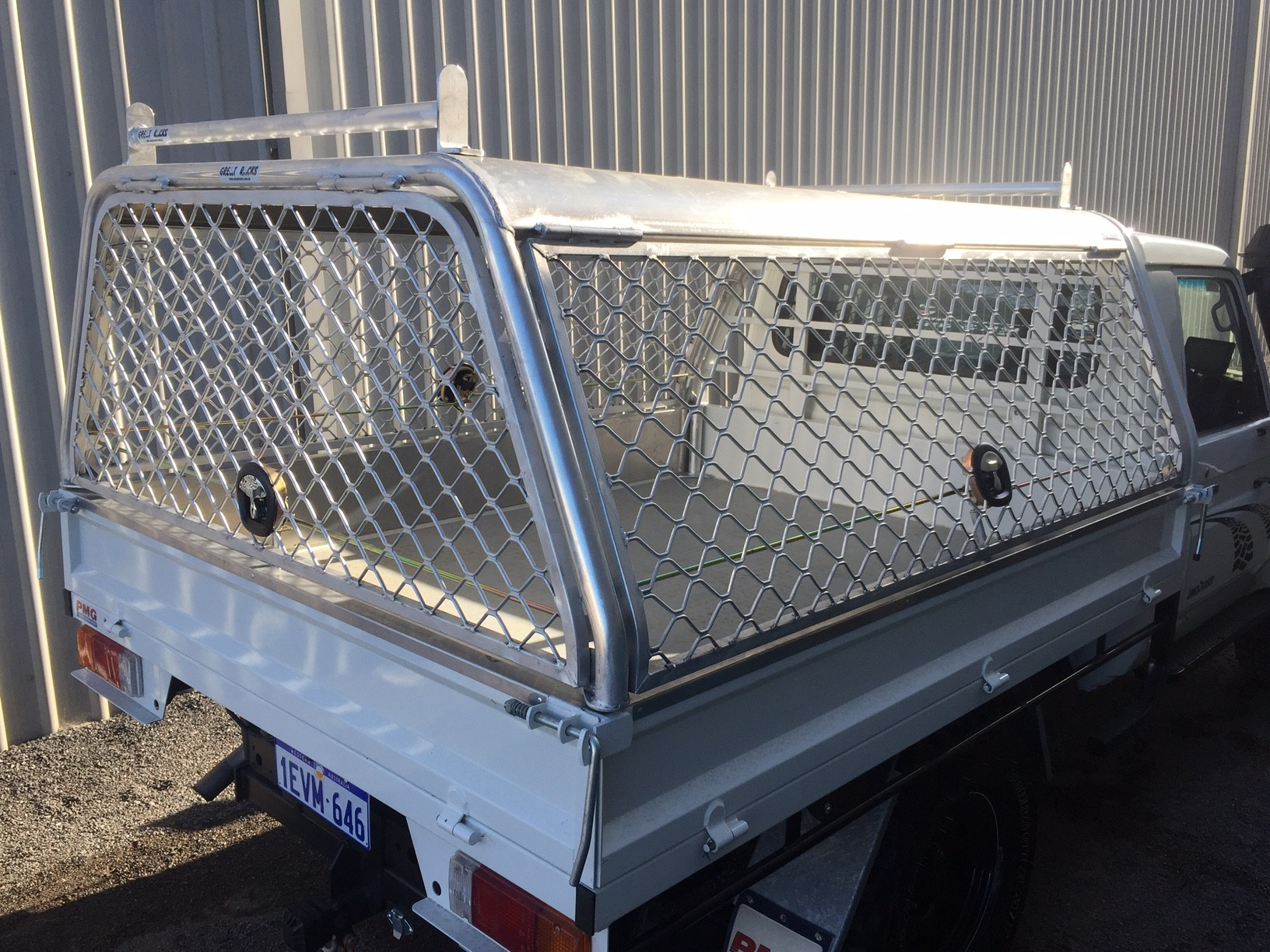 Landcruiser single cab tray back & Aluminium Ute Canopy Perth | Great Racks
