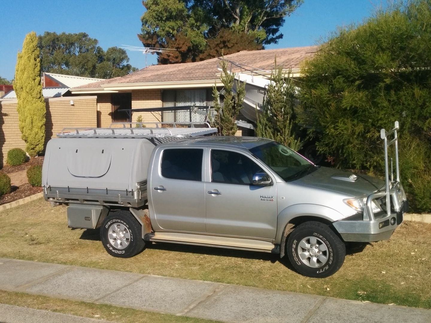 Hilux dual cab tray back & Canvas Canopies Perth | Canopy Roof Racks | Great Racks