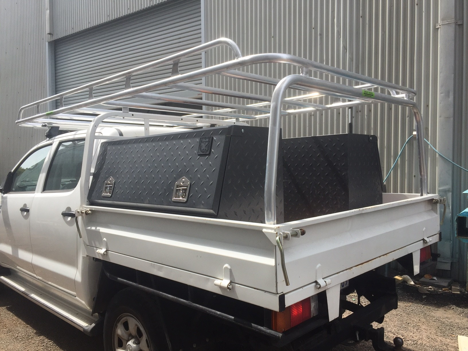Hilux dual cab tray back & Tradesman Roof Racks Perth | Tradie Roof Racks | Great Racks